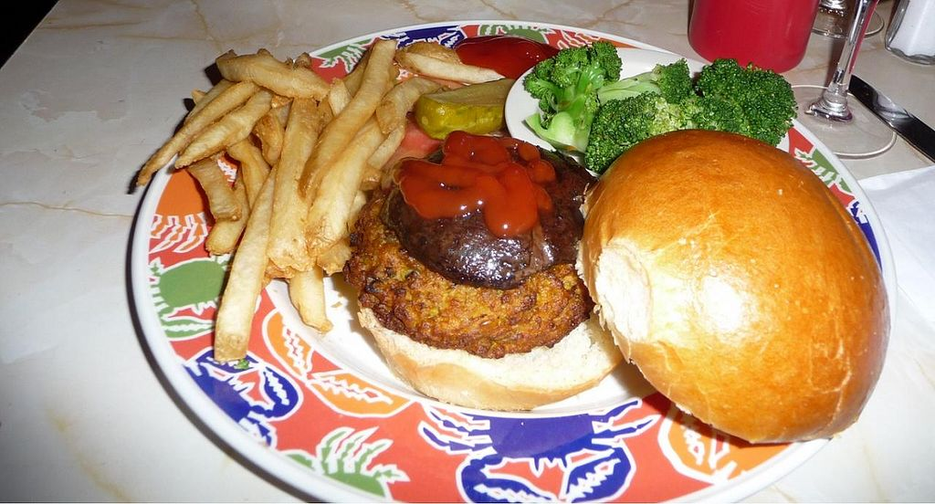 "Photo of REMOVED: Ellen's Stardust Diner  by <a href=""/members/profile/JonJon"">JonJon</a> <br/>Jack Lalanne vegan burger <br/> August 31, 2014  - <a href='/contact/abuse/image/44883/78702'>Report</a>"