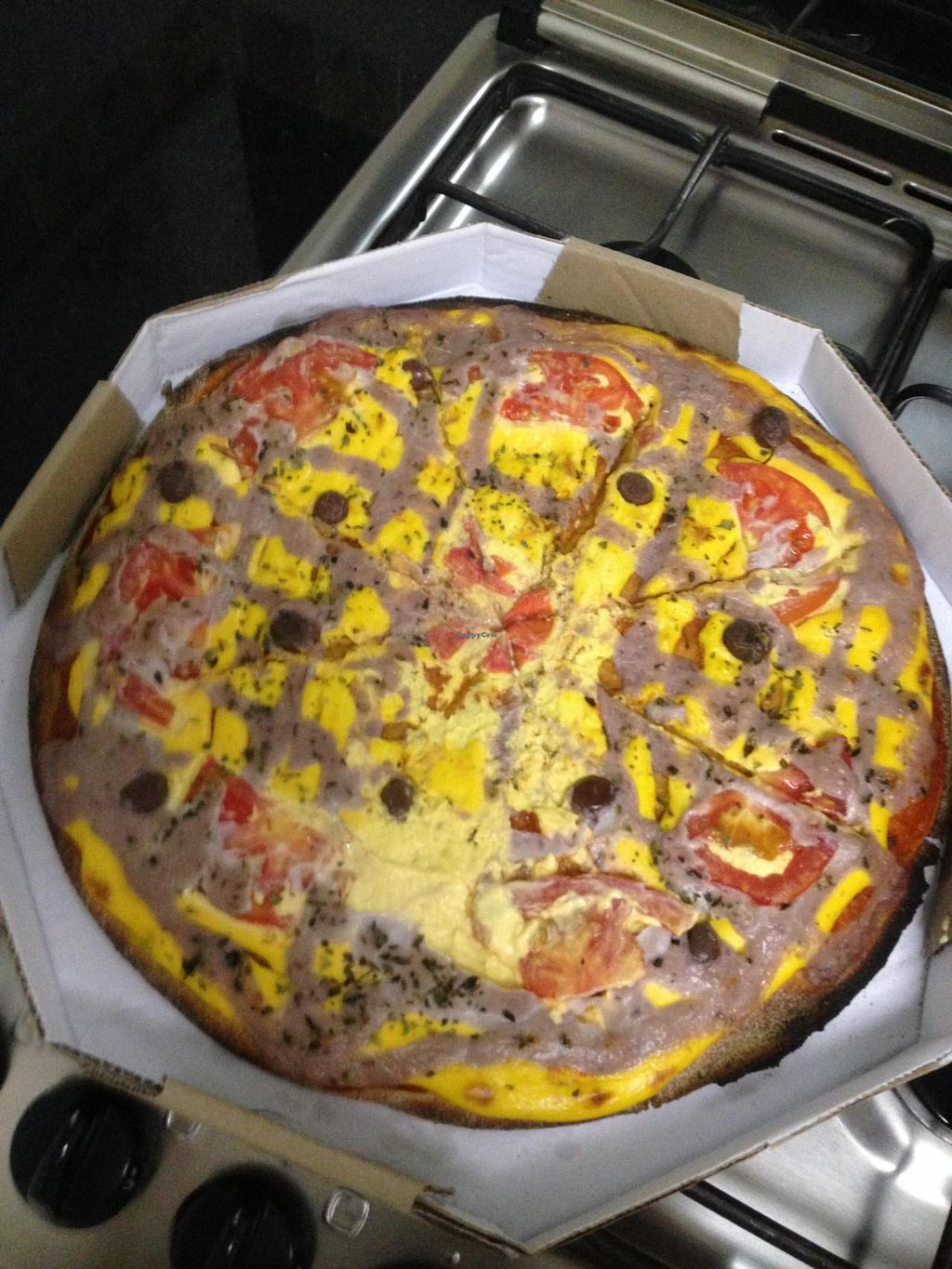 "Photo of Lar Vegetariano Vegan  by <a href=""/members/profile/Paolla"">Paolla</a> <br/>''Chilena''pizza, from the delivery service <br/> October 3, 2014  - <a href='/contact/abuse/image/44899/82053'>Report</a>"
