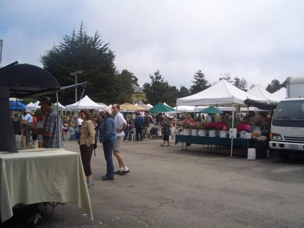 """Photo of Westside Santa Cruz Farmer's Market  by <a href=""""/members/profile/H"""">H</a> <br/>the market <br/> January 23, 2014  - <a href='/contact/abuse/image/44920/63023'>Report</a>"""