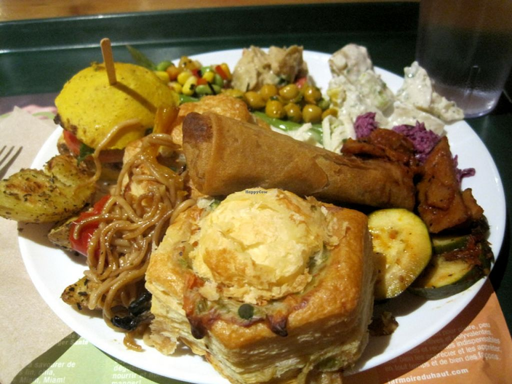 """Photo of Resto Vego  by <a href=""""/members/profile/Babette"""">Babette</a> <br/>Gigantic buffet plate with amazing patty shells and Greek potatoes <br/> October 27, 2015  - <a href='/contact/abuse/image/45123/122847'>Report</a>"""
