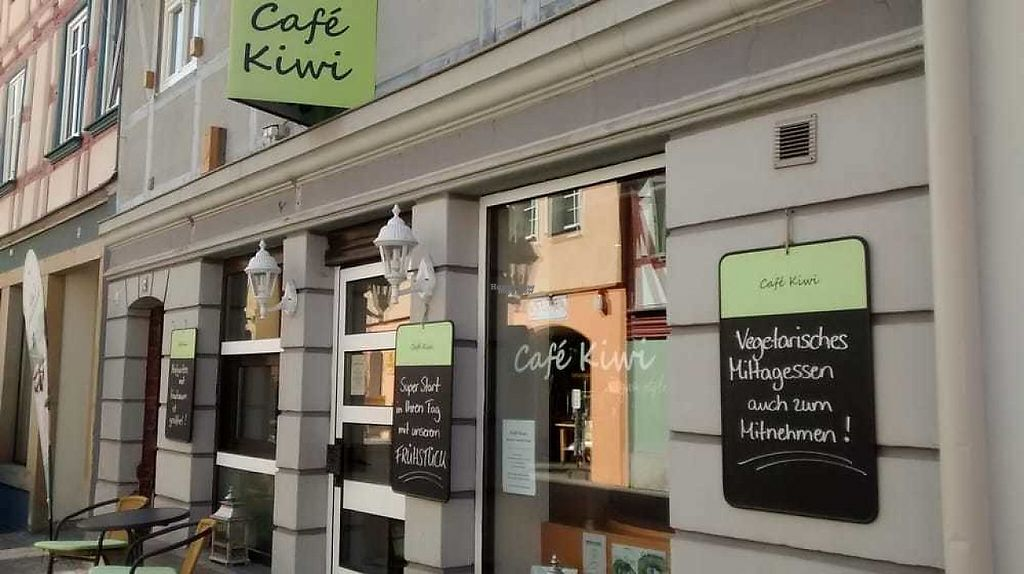 """Photo of Cafe Kiwi  by <a href=""""/members/profile/TrixieFirecracker"""">TrixieFirecracker</a> <br/>Cafe exterior <br/> April 1, 2017  - <a href='/contact/abuse/image/45124/243549'>Report</a>"""