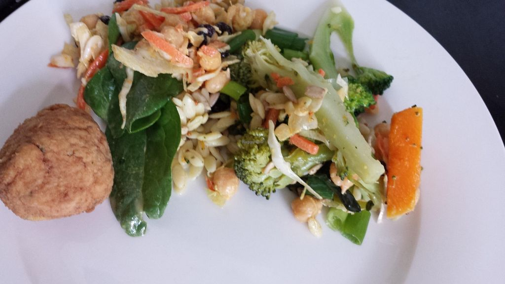 """Photo of Good Freaking Food  by <a href=""""/members/profile/Aloo"""">Aloo</a> <br/>Some food out of this week's lunchbox.  <br/> May 17, 2016  - <a href='/contact/abuse/image/45136/149548'>Report</a>"""
