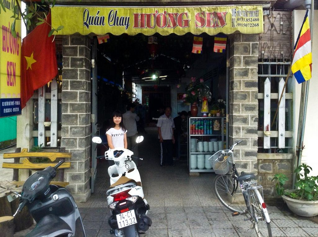 """Photo of Quan Chay Huong Sen  by <a href=""""/members/profile/Ranks42"""">Ranks42</a> <br/>The restaurant's sign and entrance <br/> February 10, 2014  - <a href='/contact/abuse/image/45137/64154'>Report</a>"""