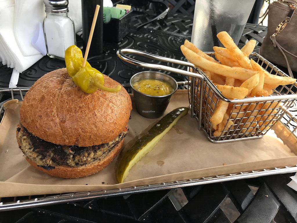"Photo of Hops Burger Bar  by <a href=""/members/profile/melissapedroso"">melissapedroso</a> <br/>Mushroom cauliflower burger <br/> October 29, 2017  - <a href='/contact/abuse/image/45191/319845'>Report</a>"