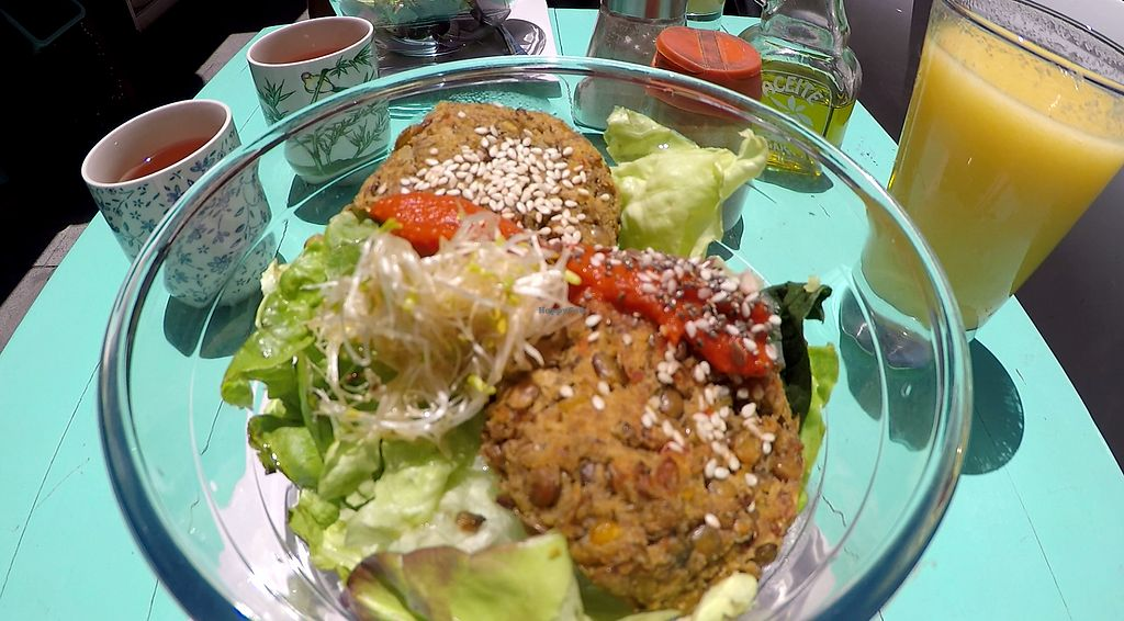 "Photo of Vitaminica Portena  by <a href=""/members/profile/Sharkademus"">Sharkademus</a> <br/>Two falafel patties in a salad, tea and fresh juice <br/> January 27, 2018  - <a href='/contact/abuse/image/45226/351616'>Report</a>"