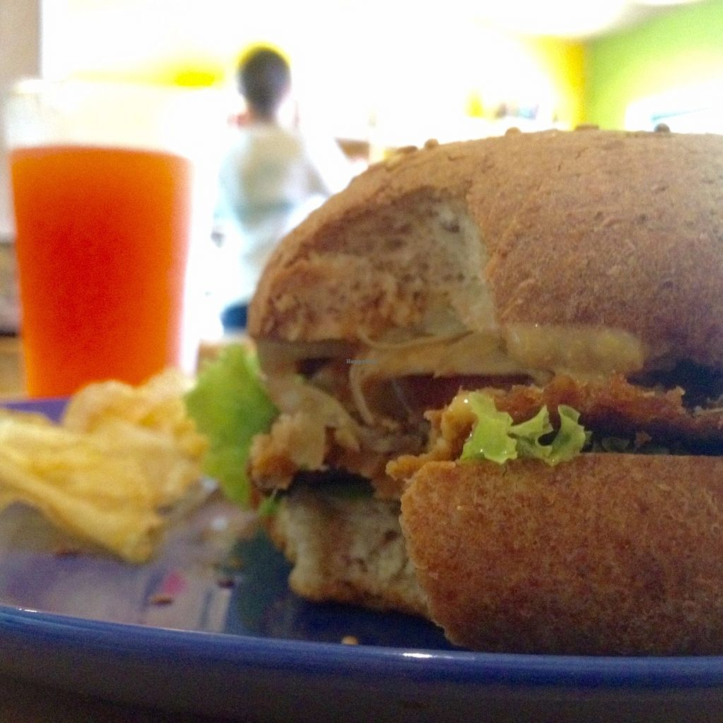 """Photo of Artesano  by <a href=""""/members/profile/santiagovf"""">santiagovf</a> <br/>veggie burger <br/> June 6, 2016  - <a href='/contact/abuse/image/45257/152564'>Report</a>"""