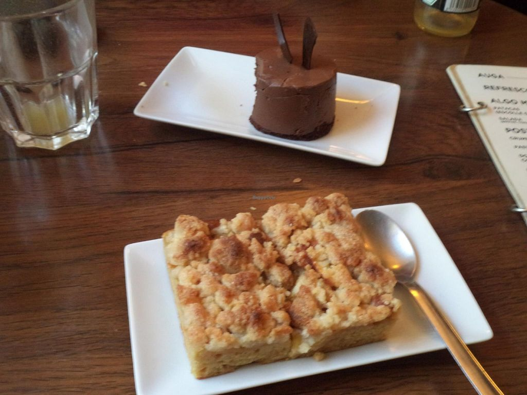 "Photo of Entre Pedras  by <a href=""/members/profile/Kaitykah"">Kaitykah</a> <br/>Chocolate dessert on top and apple crumble on the bottom <br/> July 17, 2016  - <a href='/contact/abuse/image/45380/160521'>Report</a>"