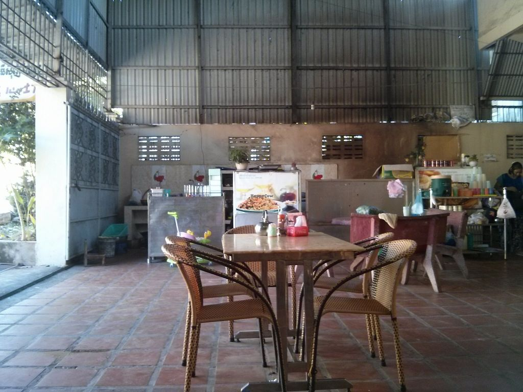 """Photo of Sir Si Pha  by <a href=""""/members/profile/Dan%20FR"""">Dan FR</a> <br/>The restaurant <br/> November 10, 2015  - <a href='/contact/abuse/image/45502/124505'>Report</a>"""