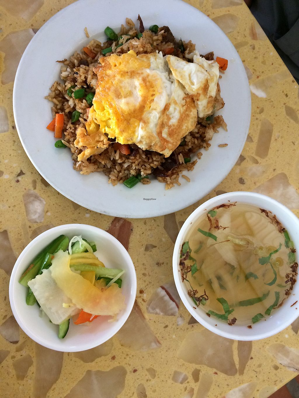 """Photo of Sir Si Pha  by <a href=""""/members/profile/Astrocake"""">Astrocake</a> <br/>Fried rice comes with pickles and soup <br/> December 17, 2017  - <a href='/contact/abuse/image/45502/336351'>Report</a>"""