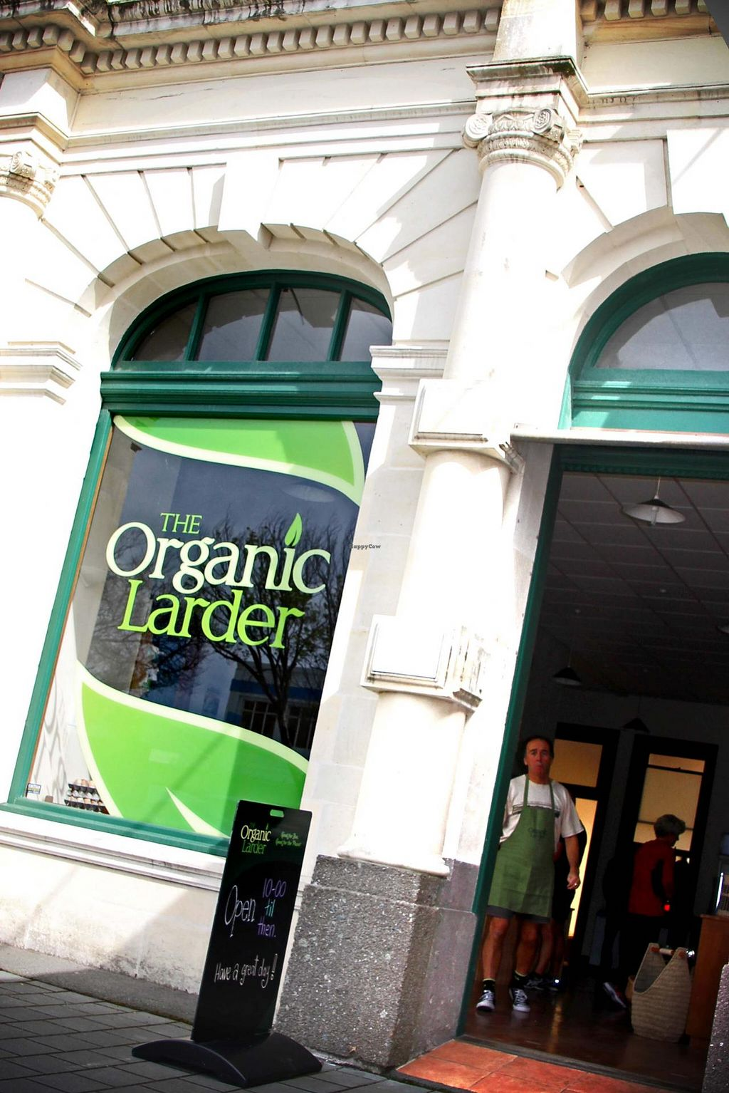 Photo of CLOSED: The Organic Larder  by The Organic Larder <br/>Welcome to The Organic Larder, situated between the Roost Cafe and Brackens Print on Thames Street, Oamaru <br/> February 26, 2014  - <a href='/contact/abuse/image/45560/64861'>Report</a>