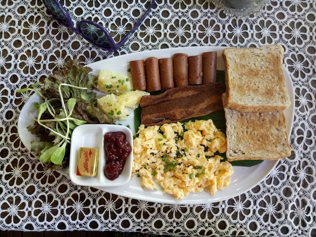 """Photo of Art Cafe  by <a href=""""/members/profile/paniaface"""">paniaface</a> <br/>American vegetarian breakfast <br/> August 10, 2017  - <a href='/contact/abuse/image/45611/291031'>Report</a>"""