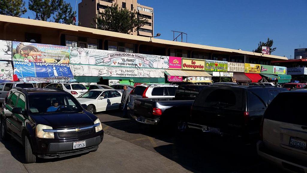 """Photo of Mercado Miguel Hidalgo  by <a href=""""/members/profile/kenvegan"""">kenvegan</a> <br/>the market <br/> December 16, 2014  - <a href='/contact/abuse/image/45650/88090'>Report</a>"""