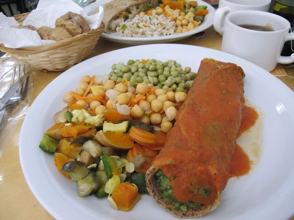 """Photo of Uriel  by <a href=""""/members/profile/dd.boa7"""">dd.boa7</a> <br/>spinach roll with vegetables and chickpeas <br/> March 18, 2018  - <a href='/contact/abuse/image/45752/372435'>Report</a>"""