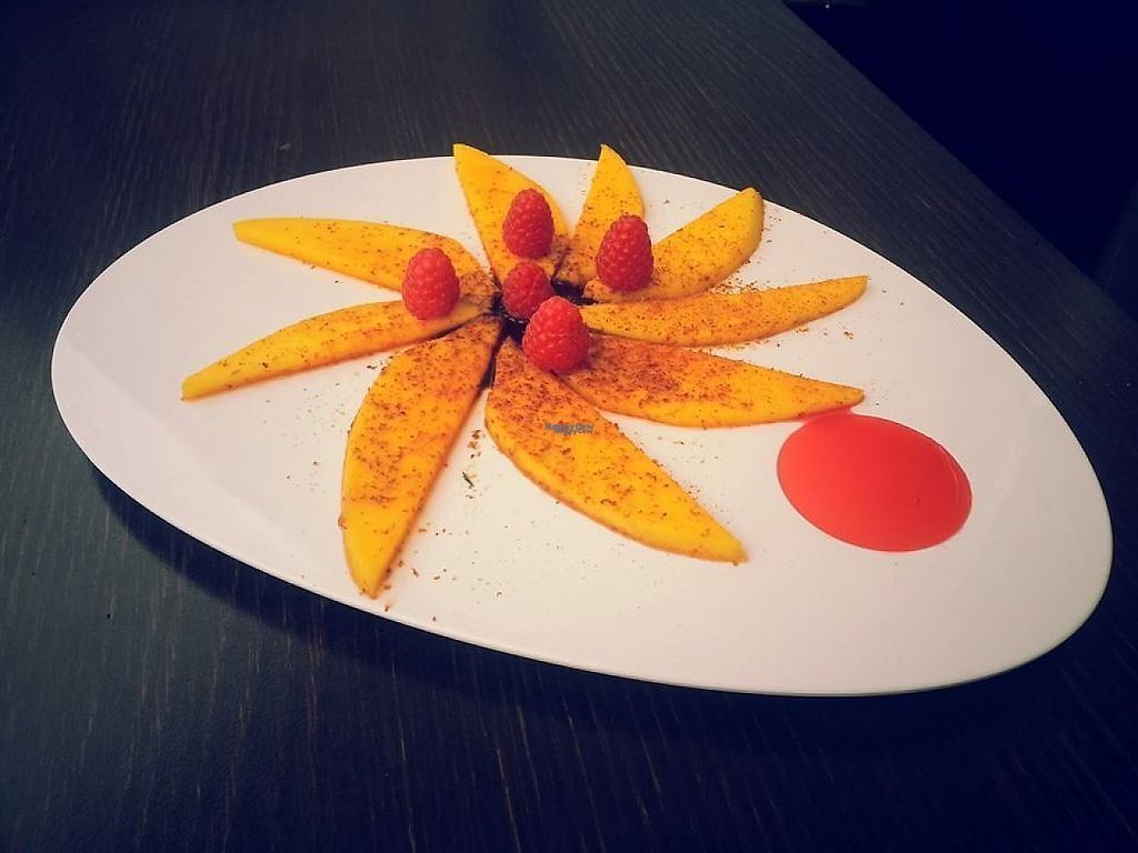 """Photo of Ginger Cocktail Lab  by <a href=""""/members/profile/community"""">community</a> <br/>Carpaccio of Mango with Raspberries <br/> March 6, 2017  - <a href='/contact/abuse/image/45798/233355'>Report</a>"""