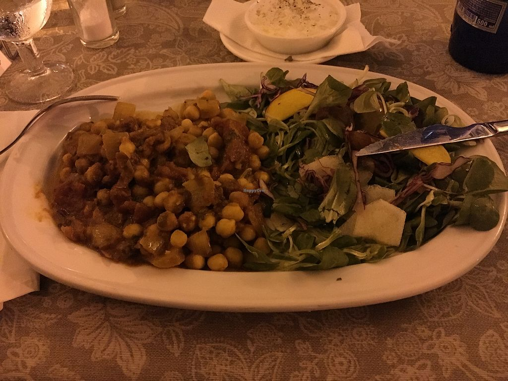 """Photo of La Joya  by <a href=""""/members/profile/neirar"""">neirar</a> <br/>Moroccan Vegetarian Curry <br/> September 3, 2017  - <a href='/contact/abuse/image/45815/300647'>Report</a>"""