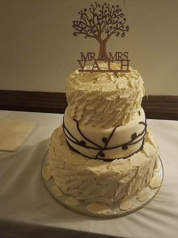 """Photo of Rose Valley Cakes  by <a href=""""/members/profile/Fade2purple"""">Fade2purple</a> <br/>Vegan wedding cake <br/> July 23, 2017  - <a href='/contact/abuse/image/45900/283439'>Report</a>"""