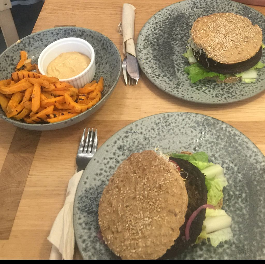 "Photo of 42 Degrees Raw  by <a href=""/members/profile/Wisliana"">Wisliana</a> <br/>the best raw burger we've ever had. Add some sweet potatoes with chili mayo, it's a great bonus.  <br/> July 15, 2016  - <a href='/contact/abuse/image/45929/159953'>Report</a>"