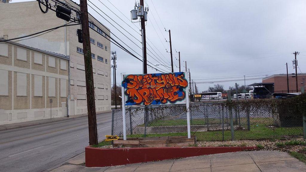 "Photo of Sweet Yams Organic Takeout  by <a href=""/members/profile/jujutsuka"">jujutsuka</a> <br/>roadside sign <br/> January 9, 2015  - <a href='/contact/abuse/image/46015/89917'>Report</a>"