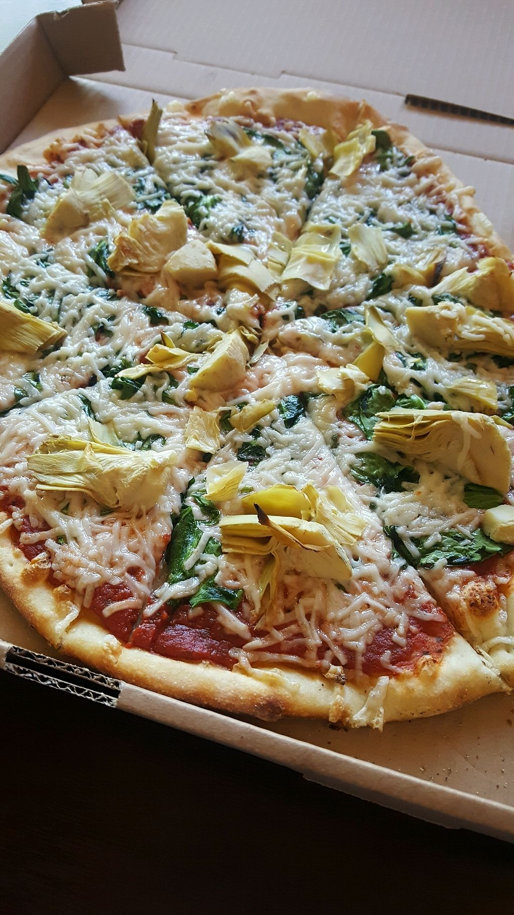 """Photo of Fresco Pizza and Grill  by <a href=""""/members/profile/kwhalon"""">kwhalon</a> <br/>Spinach & Artichoke with vegan cheese + basil <br/> April 15, 2018  - <a href='/contact/abuse/image/46017/386434'>Report</a>"""