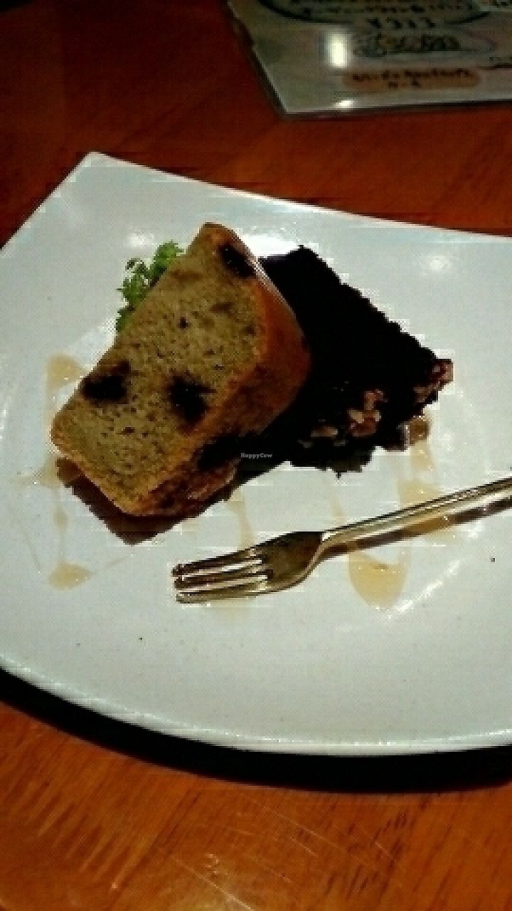 """Photo of CLOSED: From Earth Cafe OHANA  by <a href=""""/members/profile/Koifish724"""">Koifish724</a> <br/>vegan cakes  <br/> August 5, 2016  - <a href='/contact/abuse/image/46043/284553'>Report</a>"""