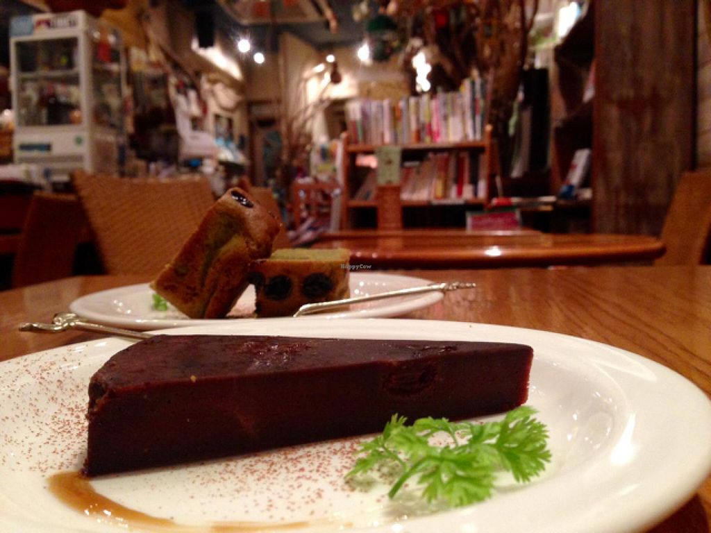 """Photo of CLOSED: From Earth Cafe OHANA  by <a href=""""/members/profile/HannahSainty"""">HannahSainty</a> <br/>AMAZING deserts  <br/> April 16, 2015  - <a href='/contact/abuse/image/46043/99185'>Report</a>"""