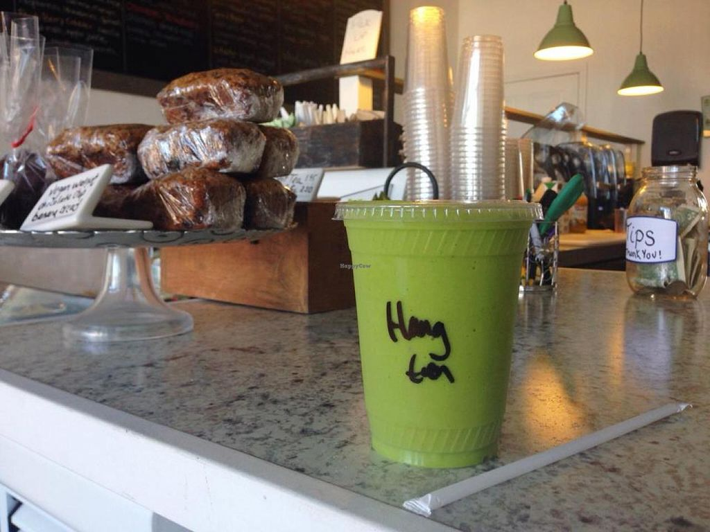 """Photo of Island Organics Smoothie and Juice Bar  by <a href=""""/members/profile/community"""">community</a> <br/>Island Organics Smoothie and Juice Bar <br/> March 24, 2014  - <a href='/contact/abuse/image/46110/66519'>Report</a>"""