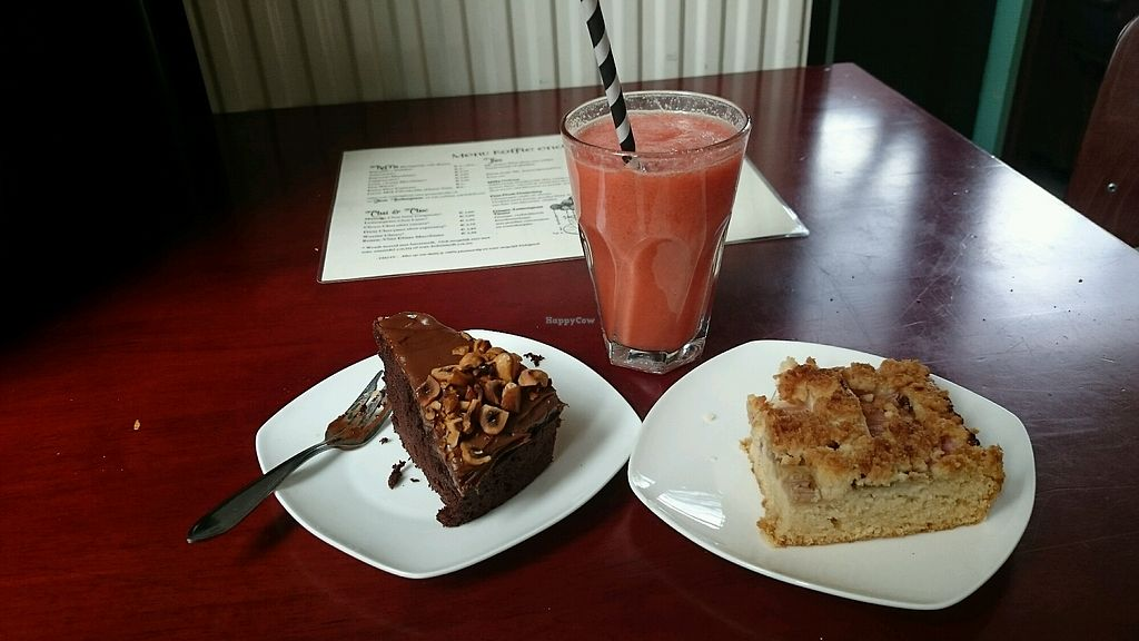 """Photo of Koffie ende Koeck  by <a href=""""/members/profile/MonaV"""">MonaV</a> <br/>fruit smoothie and cakes  <br/> April 25, 2018  - <a href='/contact/abuse/image/46128/390846'>Report</a>"""