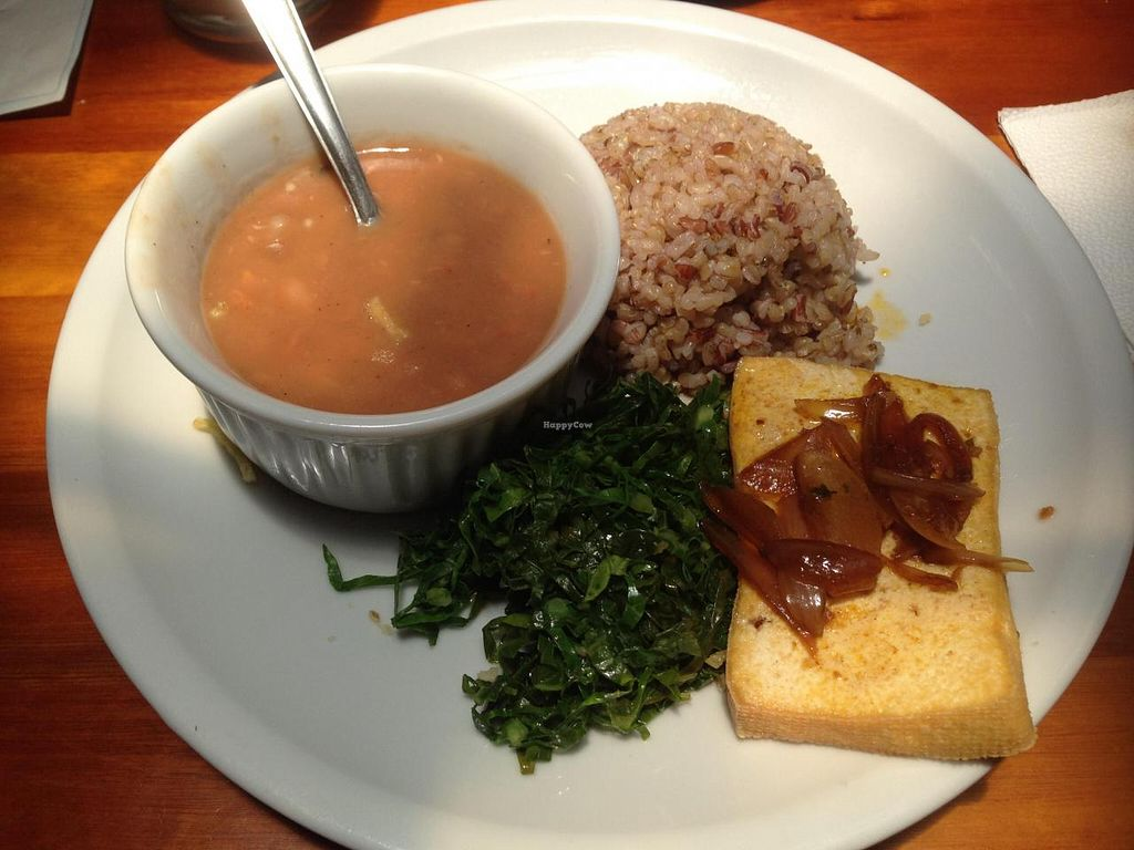 """Photo of Casa Jaya - Nectare  by <a href=""""/members/profile/Paolla"""">Paolla</a> <br/>Some of the options of hot dishes on Monday: tofu with onion, whole rice, beans and cabbage <br/> November 17, 2014  - <a href='/contact/abuse/image/46171/85939'>Report</a>"""