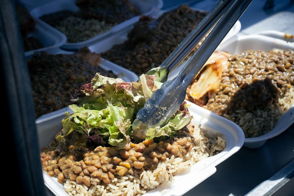 """Photo of Papa Earl - Mobile Food Vendor  by <a href=""""/members/profile/Iris_5"""">Iris_5</a> <br/>so vegan - so delicious <br/> May 29, 2014  - <a href='/contact/abuse/image/46218/70989'>Report</a>"""