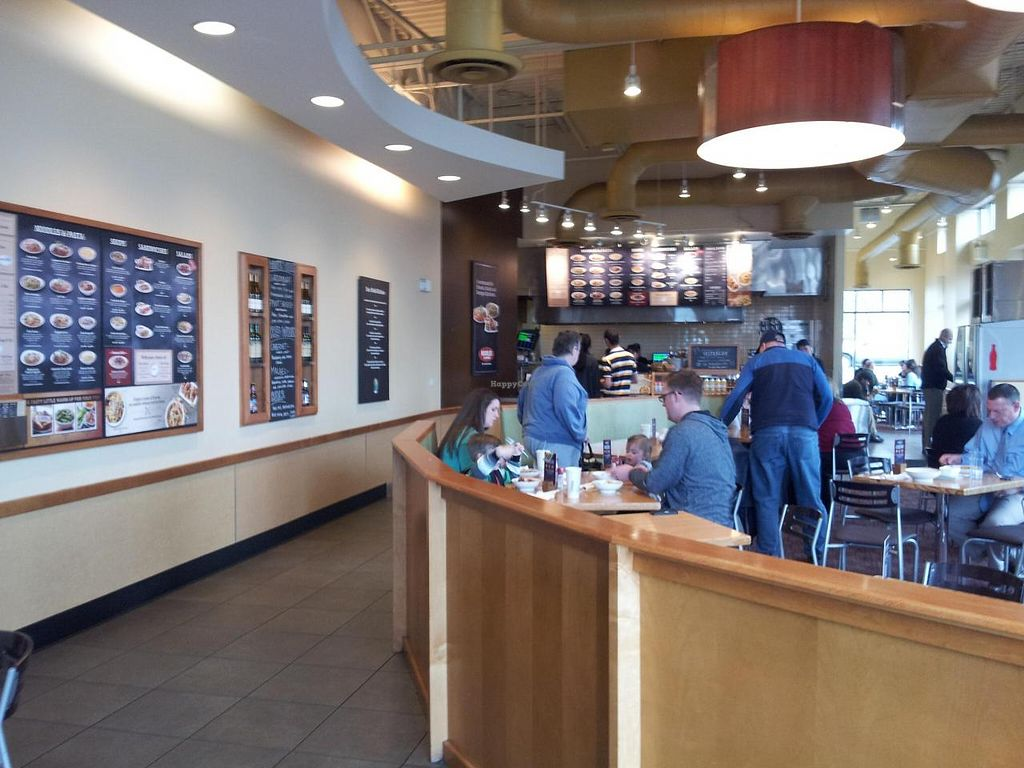 Photo of Noodles and Company - 400 South  by Navegante <br/>04-02-2014 <br/> April 2, 2014  - <a href='/contact/abuse/image/46303/66886'>Report</a>