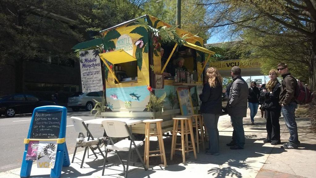 "Photo of Mobile Munchies - Food Truck  by <a href=""/members/profile/meredith"">meredith</a> <br/>Mobile Munchies in action! This place is popular! <br/> April 17, 2014  - <a href='/contact/abuse/image/46334/67783'>Report</a>"