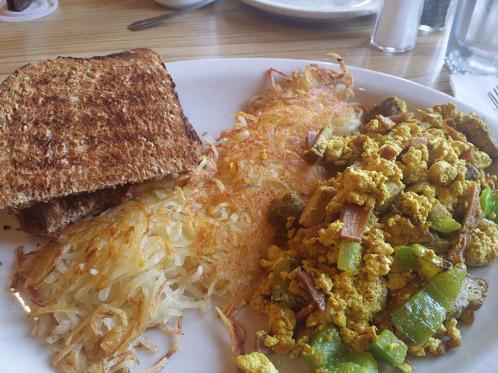 "Photo of Golden Harvest Cafe  by <a href=""/members/profile/purplesnowcone"">purplesnowcone</a> <br/>Tofu scramble with tofu bacon, peppers, soysage, hashbrowns and toast <br/> July 24, 2017  - <a href='/contact/abuse/image/4633/284436'>Report</a>"