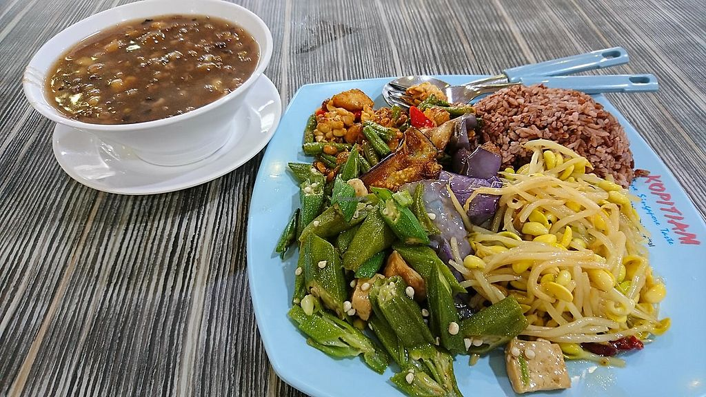 "Photo of Eight Immortals Vegetarian Stall- Tan Tock Seng Hospital  by <a href=""/members/profile/CherylQuincy"">CherylQuincy</a> <br/>Caipng <br/> January 31, 2018  - <a href='/contact/abuse/image/46348/353236'>Report</a>"