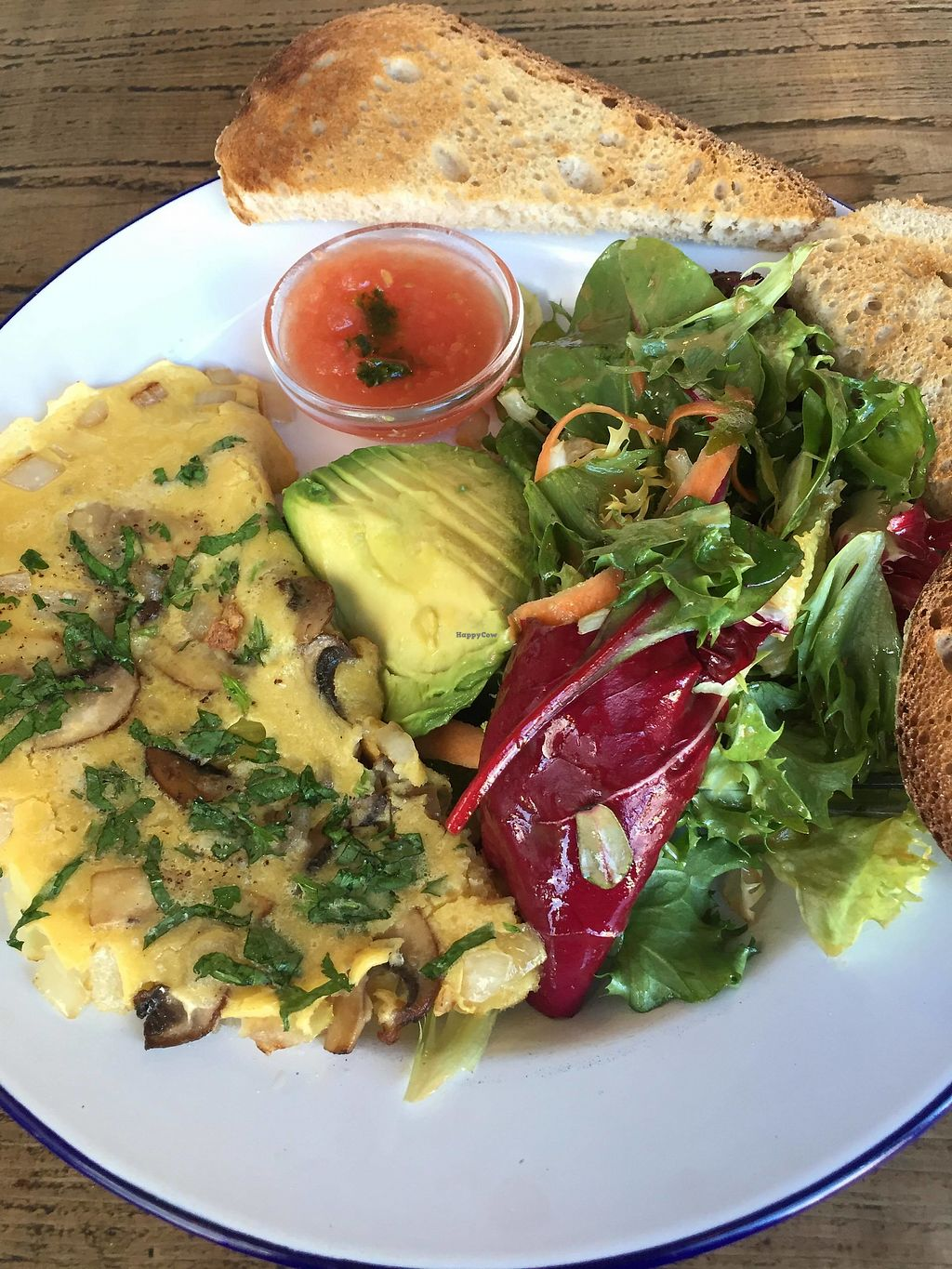 """Photo of EZ and Moss  by <a href=""""/members/profile/Yasminesan"""">Yasminesan</a> <br/>Vegan mushroom omelette <br/> January 29, 2018  - <a href='/contact/abuse/image/46491/352521'>Report</a>"""