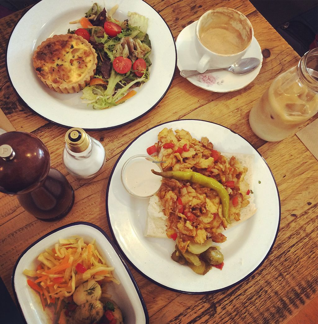"""Photo of EZ and Moss  by <a href=""""/members/profile/Enjali"""">Enjali</a> <br/>vegan shawarma and vegetarian quiche  <br/> March 13, 2018  - <a href='/contact/abuse/image/46491/370162'>Report</a>"""