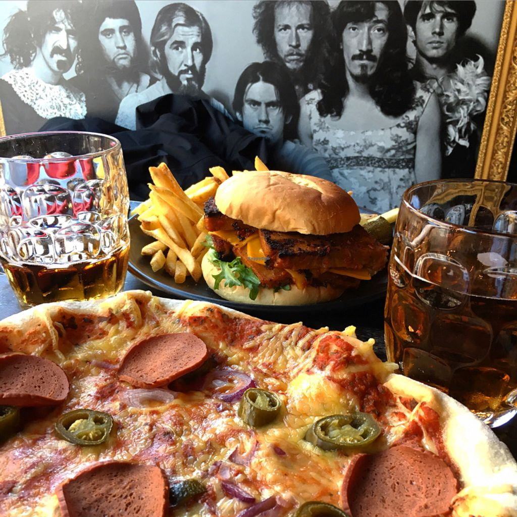 """Photo of Bar Loosister  by <a href=""""/members/profile/SeitanSeitanSeitan"""">SeitanSeitanSeitan</a> <br/>Don Corleone Pizza and Big sister's burger <br/> July 8, 2016  - <a href='/contact/abuse/image/46524/158367'>Report</a>"""