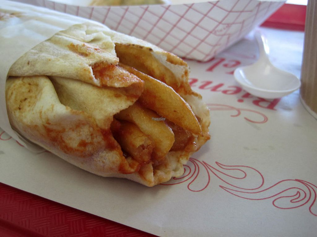 """Photo of 57 Cals  by <a href=""""/members/profile/Babette"""">Babette</a> <br/>Pita patate! Pita, French fries, garlic sauce, ketchup, coleslaw. Paradise in your mouth <br/> March 28, 2017  - <a href='/contact/abuse/image/46543/241991'>Report</a>"""