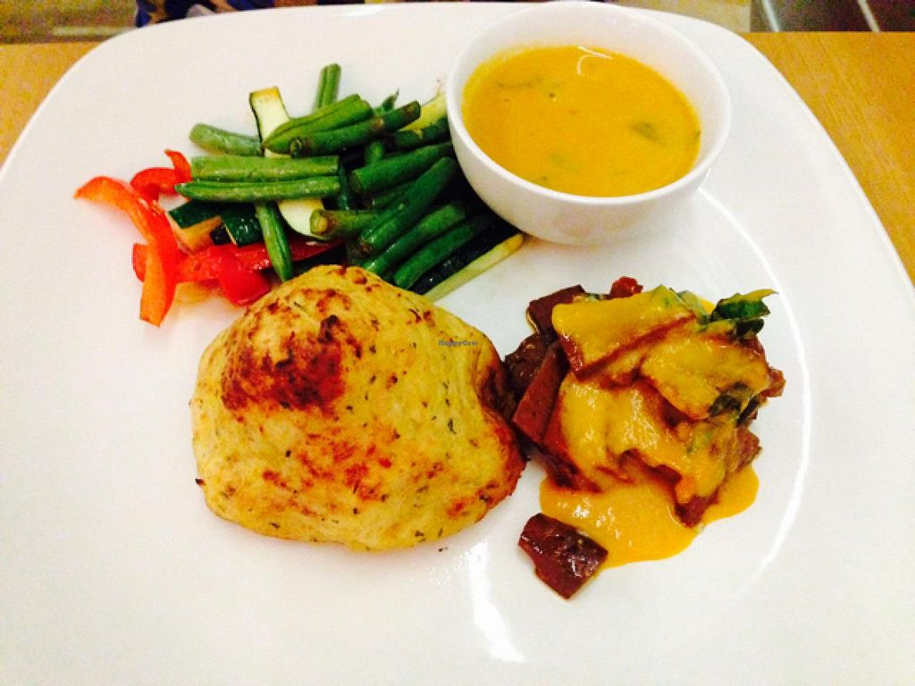 "Photo of 222 Vegan Cuisine  by <a href=""/members/profile/Walwitch"">Walwitch</a> <br/>Roast dinner <br/> July 5, 2015  - <a href='/contact/abuse/image/4655/108280'>Report</a>"