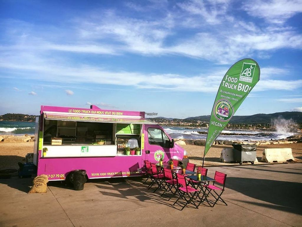 """Photo of Veggyvan - Food Truck  by <a href=""""/members/profile/veggyvan79"""">veggyvan79</a> <br/>Le nouveau veggyvan <br/> January 24, 2017  - <a href='/contact/abuse/image/46576/215625'>Report</a>"""