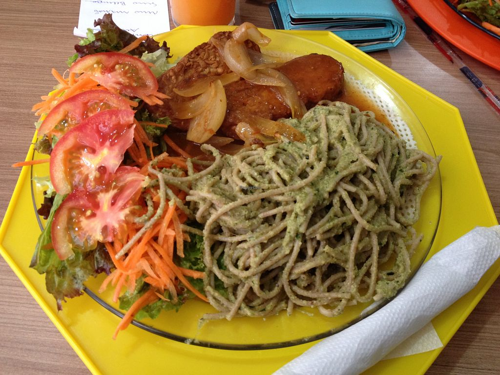 "Photo of Nascente um Gosto de Sol  by <a href=""/members/profile/vegan_ryan"">vegan_ryan</a> <br/>Plate of salad, pasta & tempeh <br/> August 1, 2015  - <a href='/contact/abuse/image/46621/111805'>Report</a>"