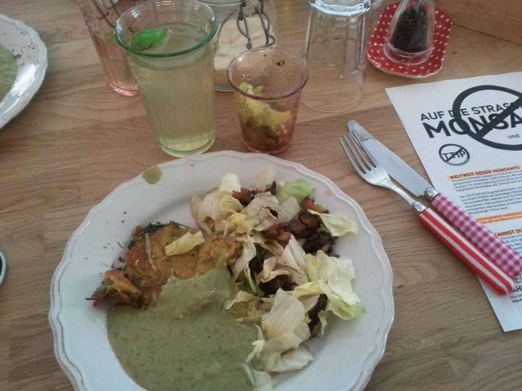 """Photo of Die Zauberei  by <a href=""""/members/profile/Pareidolise"""">Pareidolise</a> <br/>spicy pancake and green sauce <br/> March 23, 2015  - <a href='/contact/abuse/image/46632/96769'>Report</a>"""