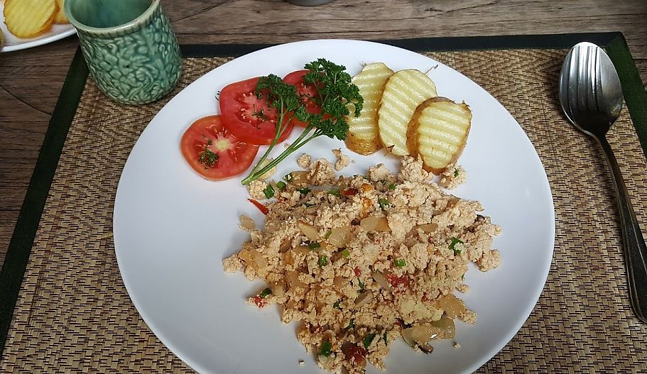 """Photo of Green Tiger House  by <a href=""""/members/profile/sarahssoares"""">sarahssoares</a> <br/>Scrambled tofu <br/> September 14, 2017  - <a href='/contact/abuse/image/46701/304449'>Report</a>"""