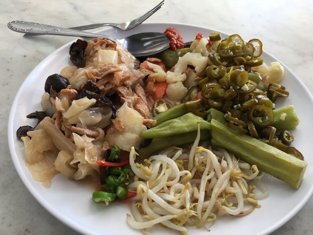 Photo of CLOSED: Shan Lai Vegetarian Stall  by Maryline <br/>6,5 ringgit lunch <br/> January 8, 2016  - <a href='/contact/abuse/image/46713/131464'>Report</a>