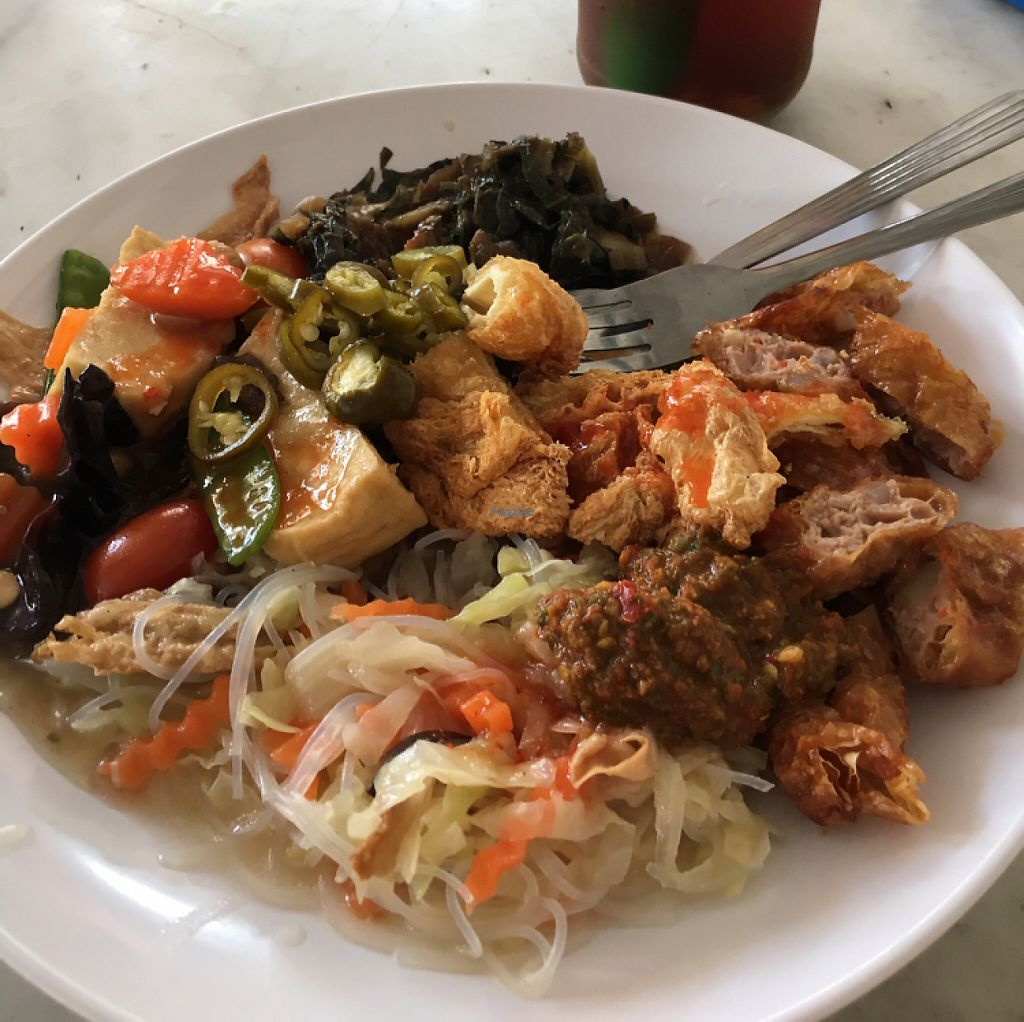 """Photo of CLOSED: Shan Lai Vegetarian Stall  by <a href=""""/members/profile/Plumbgray"""">Plumbgray</a> <br/>delicious food <br/> January 25, 2017  - <a href='/contact/abuse/image/46713/216653'>Report</a>"""