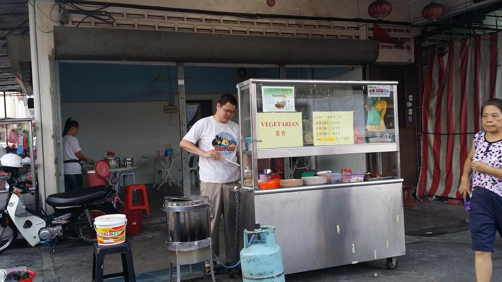 """Photo of CLOSED: Guek Cheng Vegetarian  by <a href=""""/members/profile/walter007"""">walter007</a> <br/>Shop <br/> April 22, 2014  - <a href='/contact/abuse/image/46738/68334'>Report</a>"""