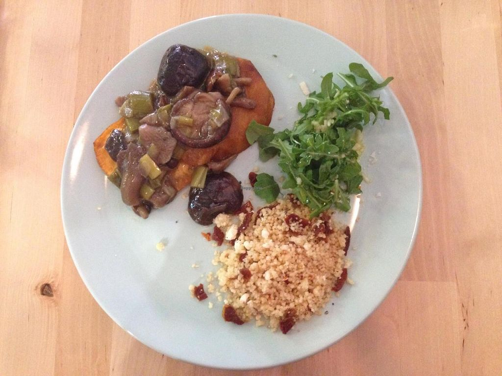 "Photo of Racimo16  by <a href=""/members/profile/Sucendon"">Sucendon</a> <br/>Sweet potato with mushroom, rocket salad and couscous <br/> September 13, 2014  - <a href='/contact/abuse/image/46775/79802'>Report</a>"