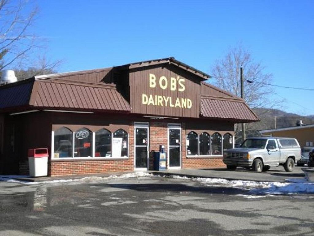 """Photo of Bob's Dairyland  by <a href=""""/members/profile/community"""">community</a> <br/>Bob's Dairyland <br/> April 23, 2014  - <a href='/contact/abuse/image/46802/68384'>Report</a>"""