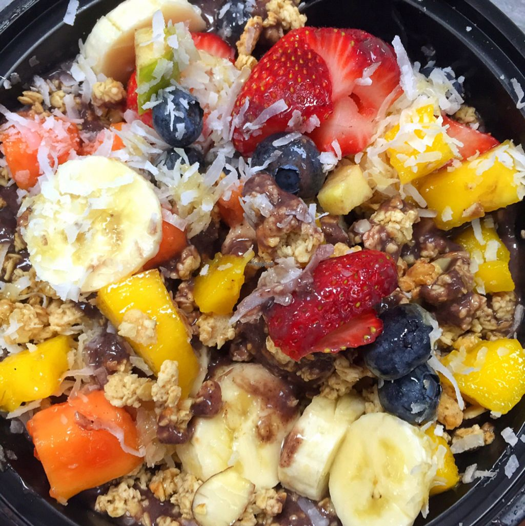 """Photo of Carrot Express  by <a href=""""/members/profile/lolacooks"""">lolacooks</a> <br/>acai bowl <br/> August 16, 2016  - <a href='/contact/abuse/image/46851/169171'>Report</a>"""