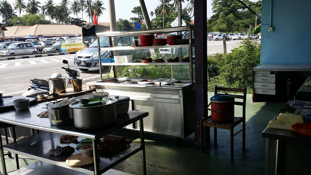 "Photo of Kedai Makanan Sanmuga Catering  by <a href=""/members/profile/walter007"">walter007</a> <br/>Food stall <br/> April 29, 2014  - <a href='/contact/abuse/image/46916/68920'>Report</a>"