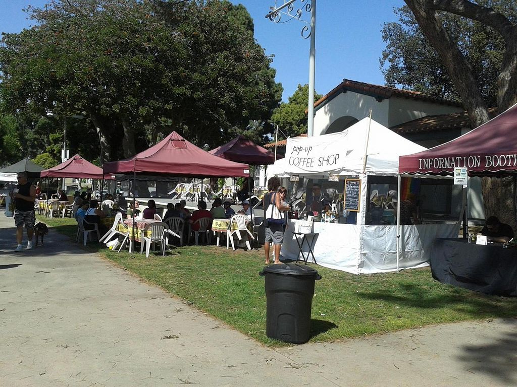 "Photo of Local Harvest Farmers Markets  by <a href=""/members/profile/chobesoy"">chobesoy</a> <br/>coffee stand and performance stage <br/> May 1, 2014  - <a href='/contact/abuse/image/47000/69097'>Report</a>"